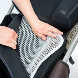 Aerating-massaging pad